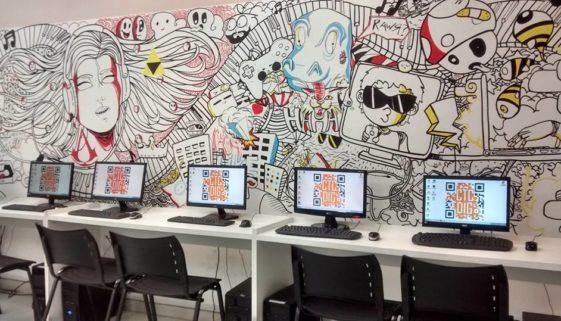 Um dos laboratórios de informática da CTC-Digital. Foto: reprodução Facebook