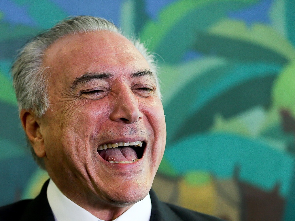 Temer rindo- Blog do Barão