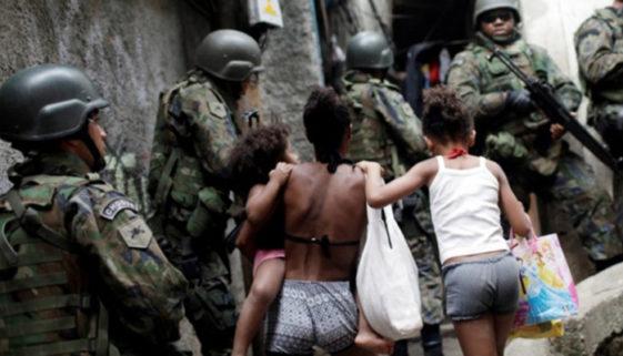 De mal a pior: ocupação militar das áreas urbanas pobres no RJ