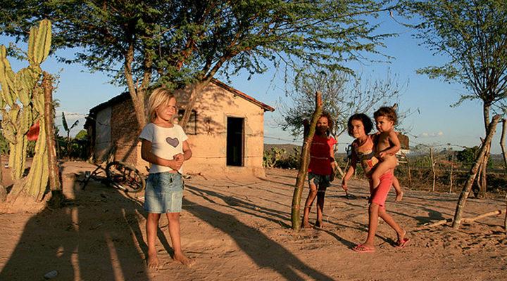 pobreza-nordeste - Foto WikiCommons - Flickr - Maria Hsu