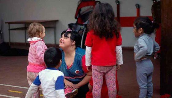 Escola na Argentina tem professora com síndrome de Down