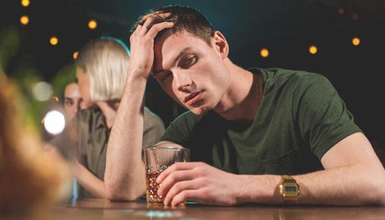Álcool, tabagismo e educação