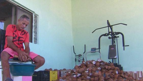 Comerciante vende cocadas para ajudar pacientes com câncer em PE