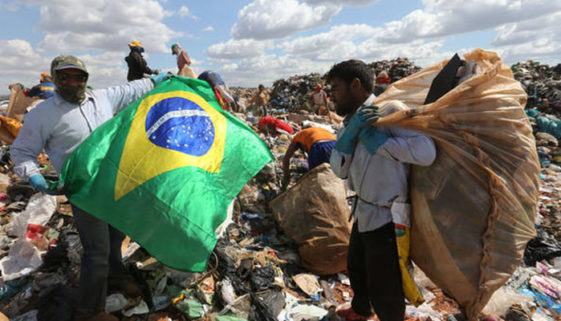 13 milhões de brasileiros levariam 4 meses para comprar uma cesta básica