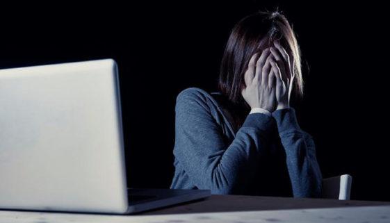 No mundo, um em cada três jovens já sofreu bullying na internet