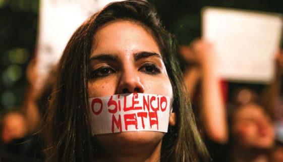 A cada oito horas, uma mulher é morta no Brasil