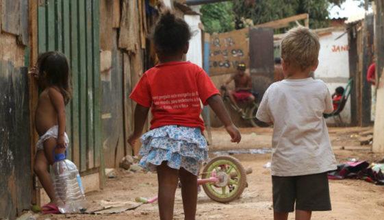 39,7% das crianças de até 5 anos têm seus direitos violados no Brasil