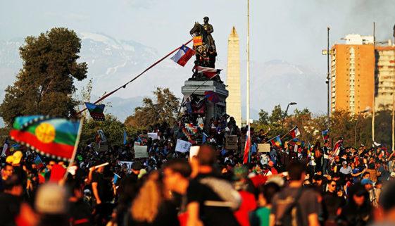 20 pessoas morrem durante protestos no Chile e 9 mil são presas
