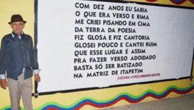 Poeta analfabeto do sertão pernambuquense faz sucesso no Youtube