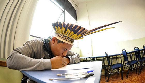 Universidade de Brasília promove vestibular para candidatos indígenas