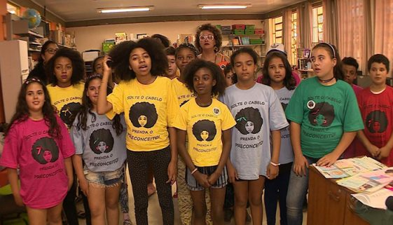 Escola do RS cria projeto 'Solte o cabelo, prenda o preconceito'