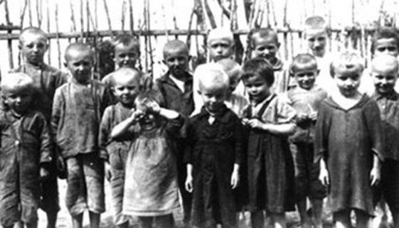 Nazistas mataram 1,5 milhão de crianças na guerra, inclusive alemãs