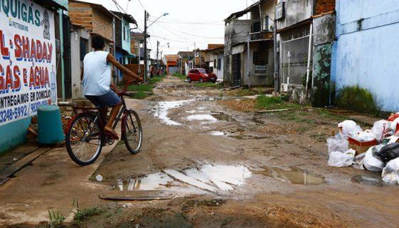 Um terço dos brasileiros não tem acesso a saneamento básico