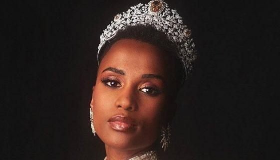Modelo sul-africana Zozibini Tunzi vence o Miss Universo 2019