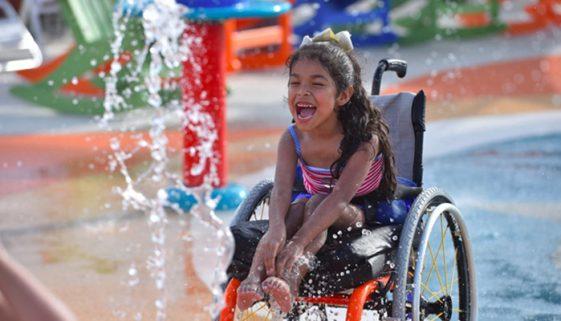 Texas tem parque aquático acessível para pessoas com deficiência