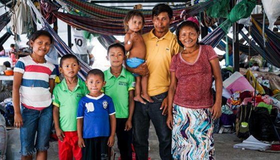 3 mil venezuelanos vivem em prédios abandonados em Roraima