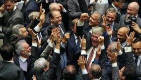 Brasil gasta R$ 14 milhões com gasolina e lubrificantes para deputados
