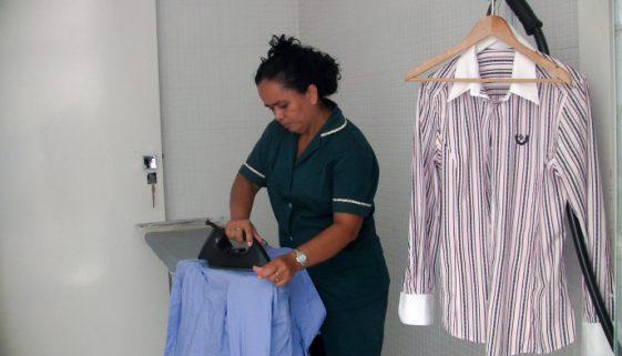50% dos trabalhadores domésticos não têm acesso à educação no Brasil