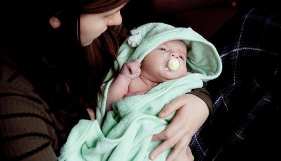 A cada 3 dias uma mulher vai à justiça para entregar bebê para adoção