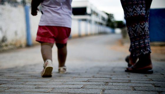 Por ano, feminicídio deixa mais de dois mil órfãos pelo país