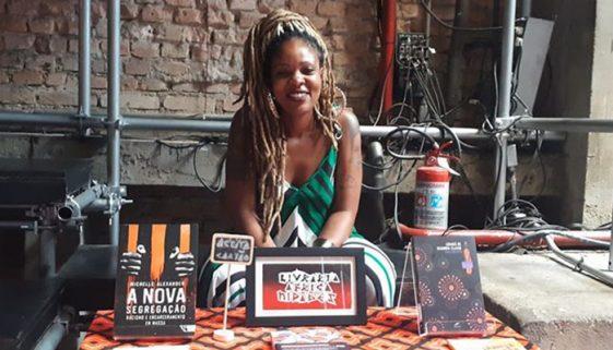 Pesquisadora cria livraria especializada em autoras negras