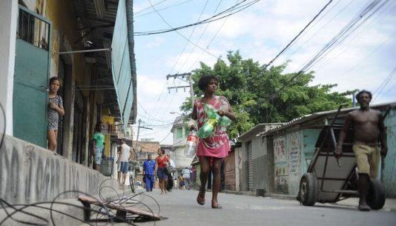 Coletivo denuncia irregularidades no auxílio emergencial de mães solo