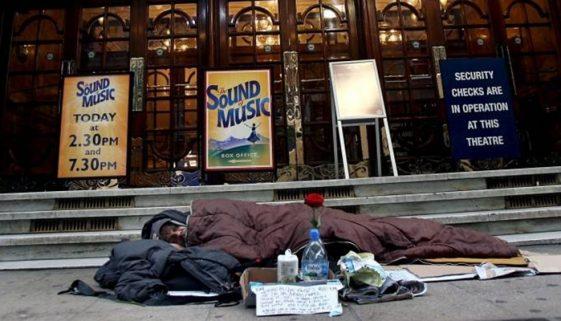 Londres: durante pandemia, hotéis abrigarão pessoas em situação de rua