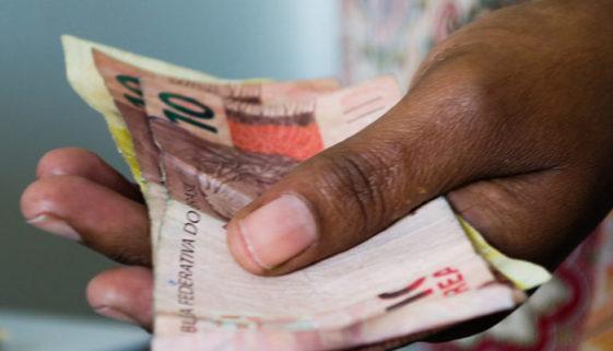 Brasileiros já pagaram mais de R$ 600 bilhões em impostos só este ano