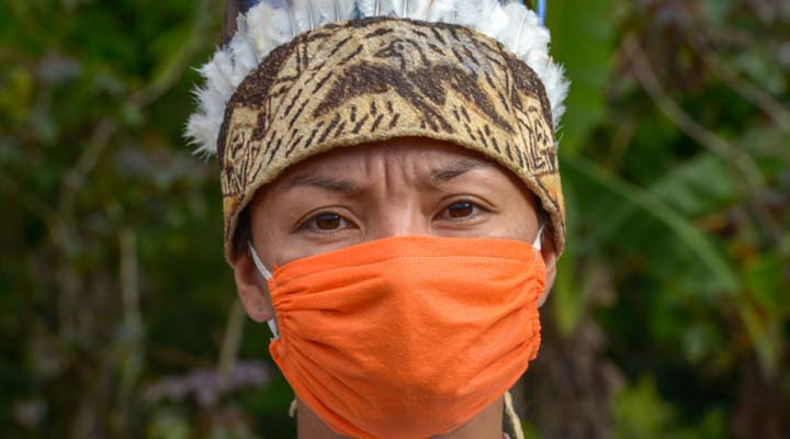 Na Amazônia, indígenas com Covid-19 são levados de avião para UTIs