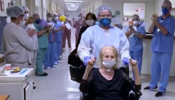 Médica de 88 anos se cura do coronavírus e volta a fazer cirurgias