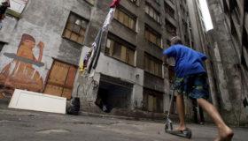 Apesar de aptas, 433 mil famílias aguardam na fila do Bolsa Família