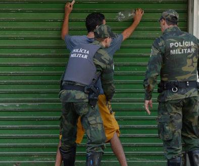Mesmo na quarentena, mortes em operações policiais aumentam no país