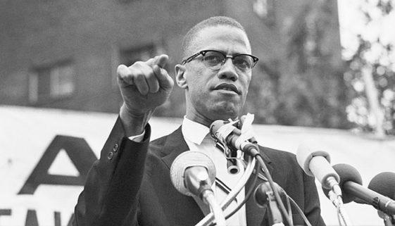 Malcolm X: da defesa do nacionalismo negro a uma morte nunca esclarecida