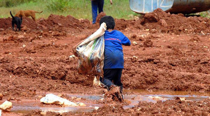 Pandemia deve levar milhões de crianças ao trabalho infantil e fome