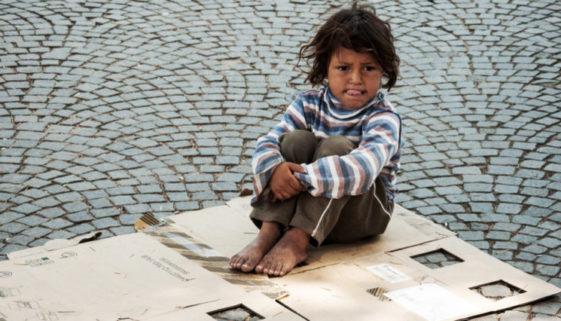 Pequenos invisíveis: 70 mil crianças vivem nas ruas do Brasil