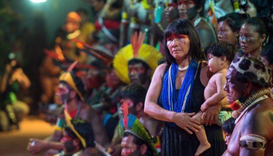 Mortes de indígenas idosos por Covid-19 colocam em risco tradições dos povos