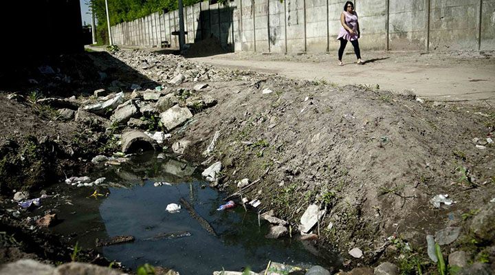 15 mil morrem por ano no Brasil por falta de saneamento básico, diz OMS
