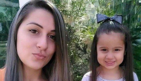 Menina de 4 anos morre em acidente de carro e mãe emociona a internet