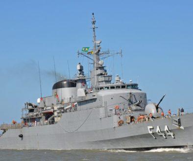 Navio brasileiro saiu 10 minutos antes da explosão do porto em Beirute