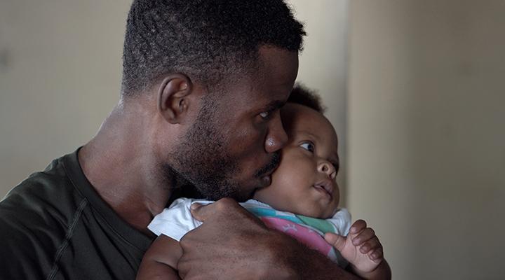 Mortalidade de bebês negros é menor se tratados por médicos negros
