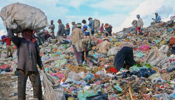 40,1% do lixo produzido no Brasil é descartado de forma incorreta