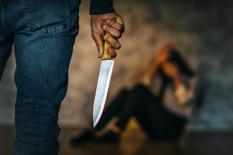 Brasil: homem esfaqueia ex-namorada e é absolvido por defesa da honra