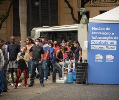 Fome: cresce a fila de famílias em busca de comida em São Paulo