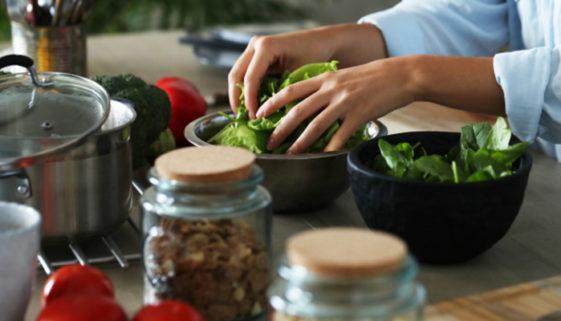 Edital apoia projetos que levam vegetarianismo a regiões vulneráveis